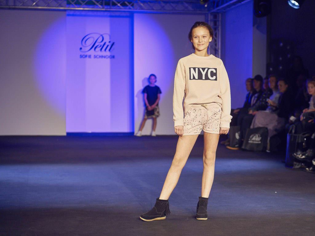 Doing the half tucked in thing at Petit by Sofie Schnoor for teen fashion summer 2017