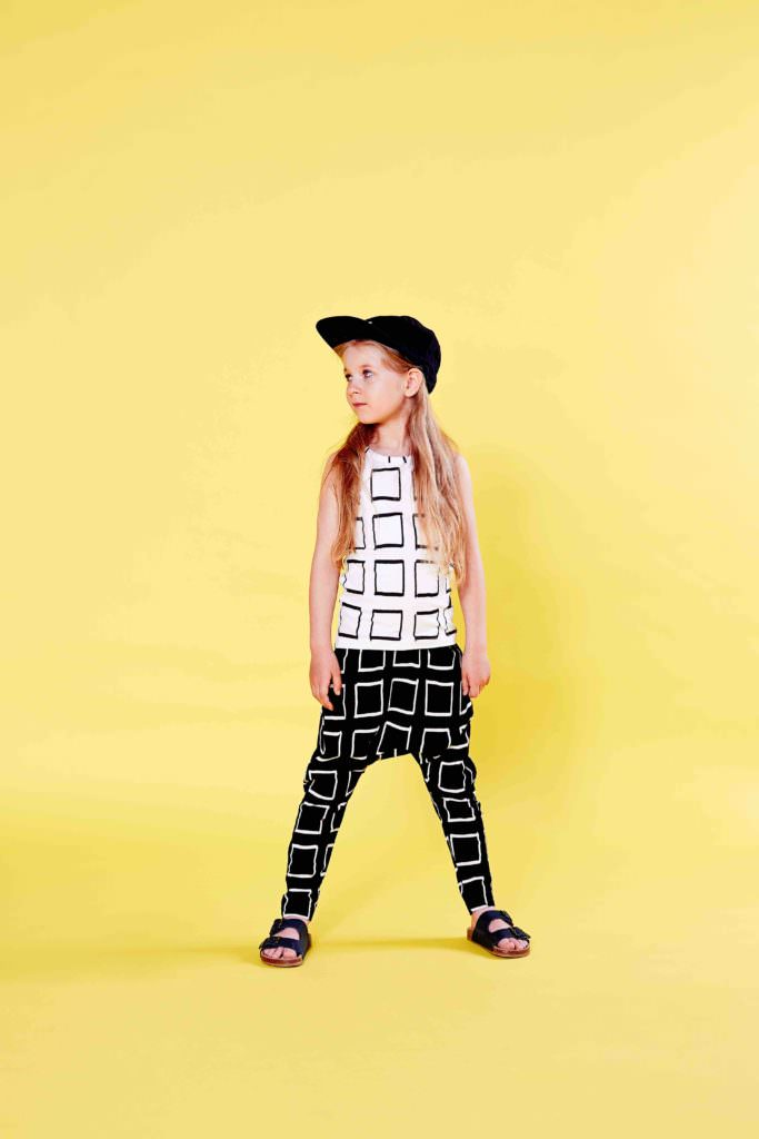 Mainio monochrome graphic prints fpr kidswear spring 2017