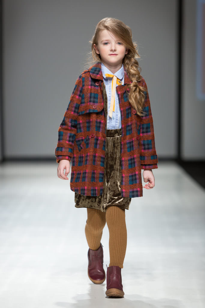 Chunky tweeds mix with metallics at Paade Mode kids fashion for fall 2017