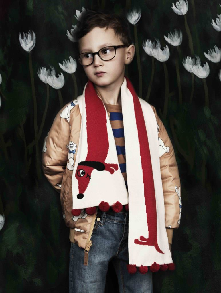 Sweet shot with a great scarf from Mini Roding for winter 2017