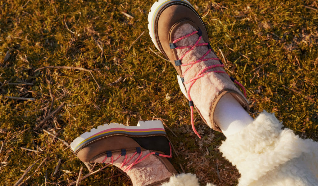 Chunky winter kids boots with a hint of rainbow sole at Maison Mangostan
