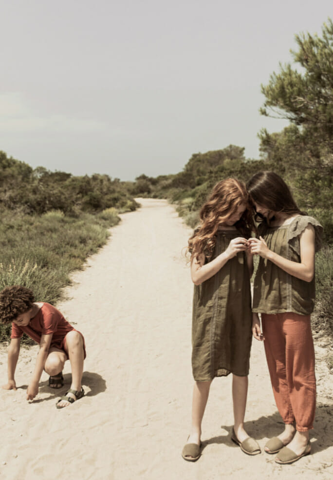 Linen organic clothing for kids from Spain