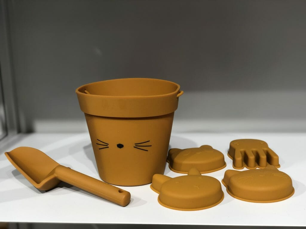 Also at Liewood a wonderful summer bucket, spade and sand shaper set in silicone rubber