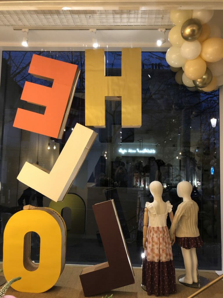 Inside the new kids fashion store Velveteen in Notting Hill a big Hello to the outside world!