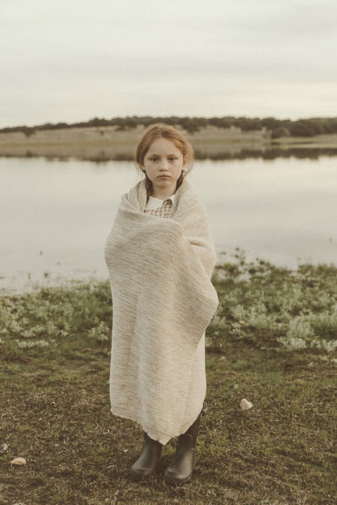 Organic mom and child wear by Liilu includes knitted blankets for winter 2019