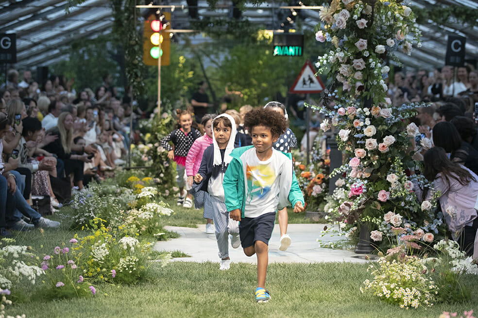 The urban city explodes into The Secret Garden at Il Gufo kids runway show for SS 2020