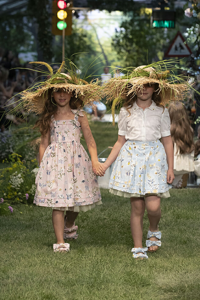 Sweet flower and butterfly dresses for summer 2020 girls fashion at Il Gufo