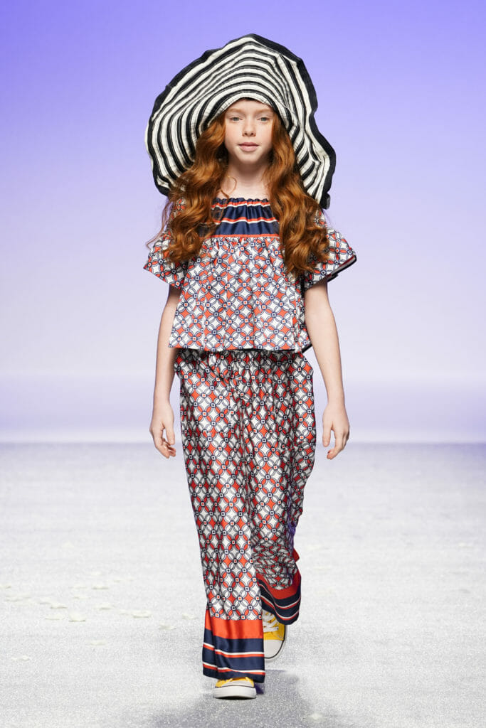 Silky pyjama style retro prints and a brilliant hat at Manila Grace Pitti Bimbo 89