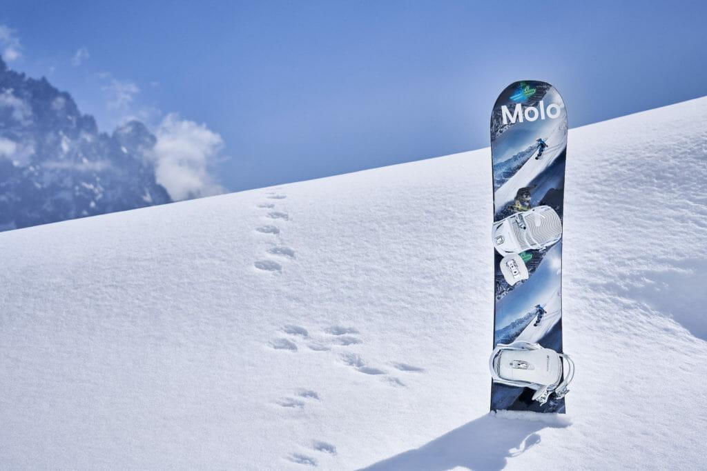Accoessories include Molo's own brand snowboard!