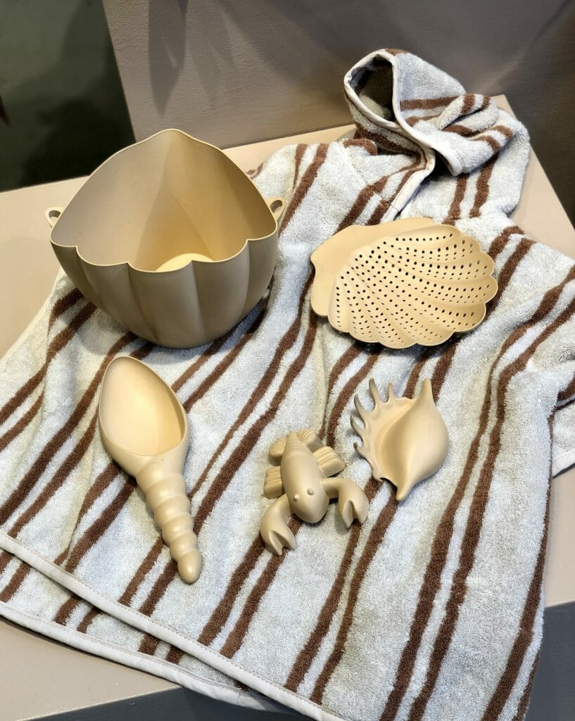 The most beautiful sand bucket and shape toys at Klonges Slojd at CIFF Youth Jan 2020