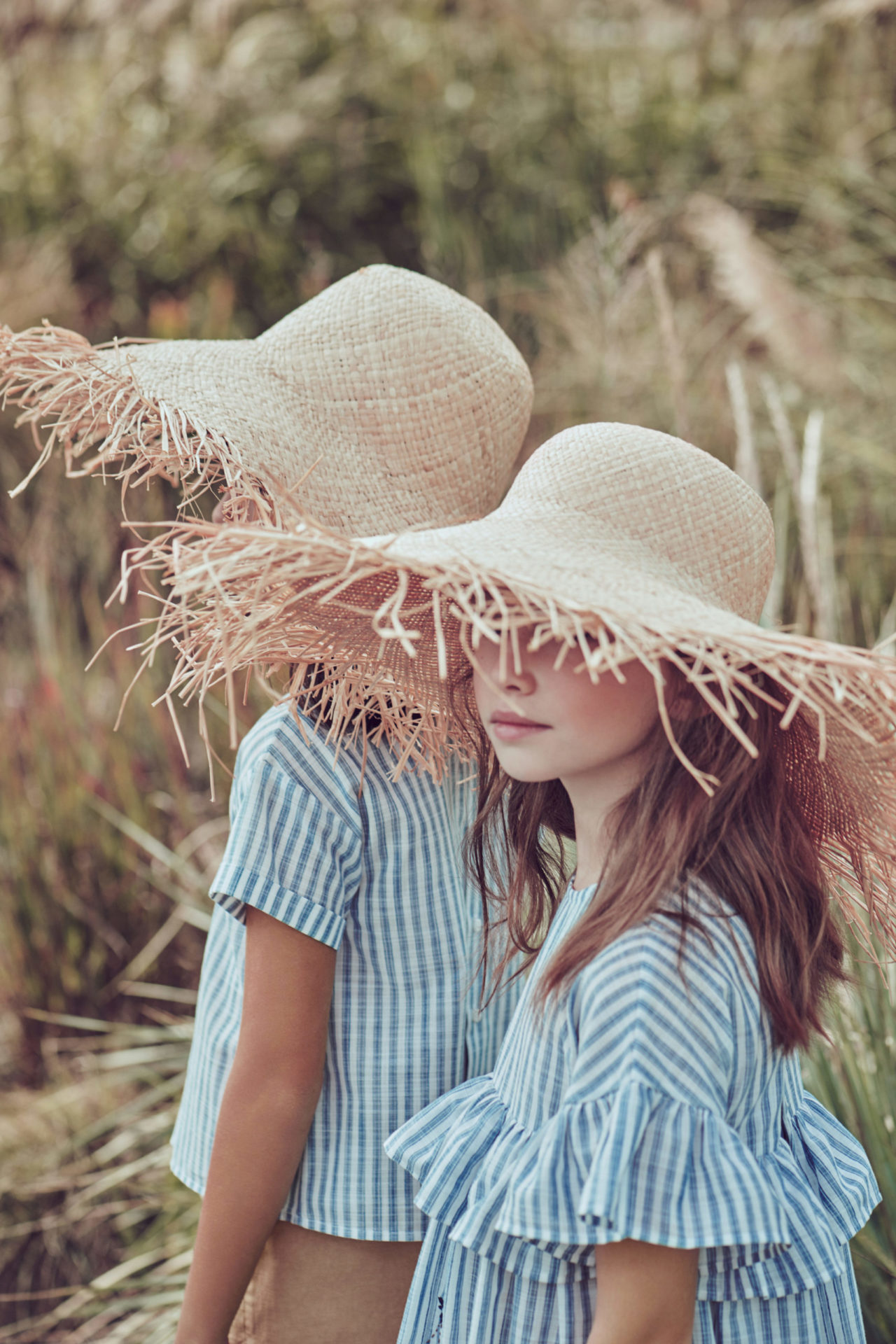 Summer stripes and straw hats at Il Gufo for 2020 kids fashion trends