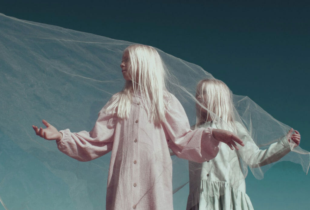 Beautiful autumn kidswear at Popelin themed as a Dream World fall 2020