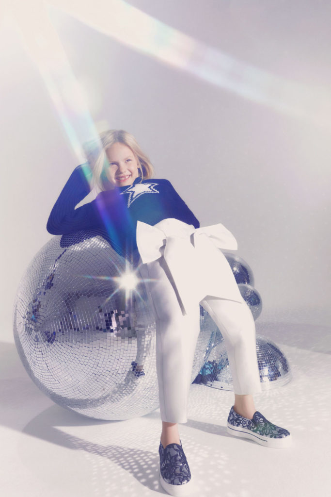Star logo sweater and bow trousers by Simonetta for AW21 kids fashion